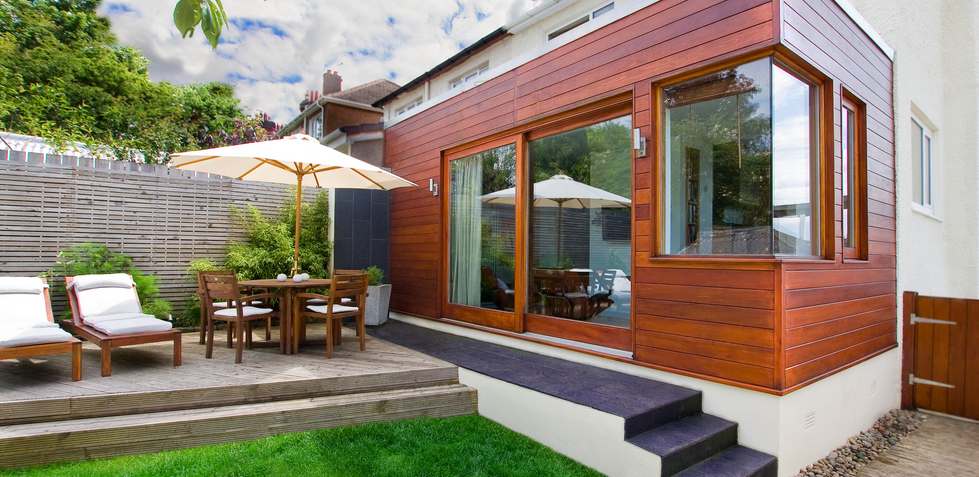 Design And Build Of Contemporary Ceder Clad Extension