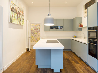 Contemporary_extension_and_interior_-_hughenden_road24_listing