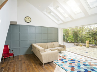 Contemporary_extension_and_interior_-_hughenden_road05_listing